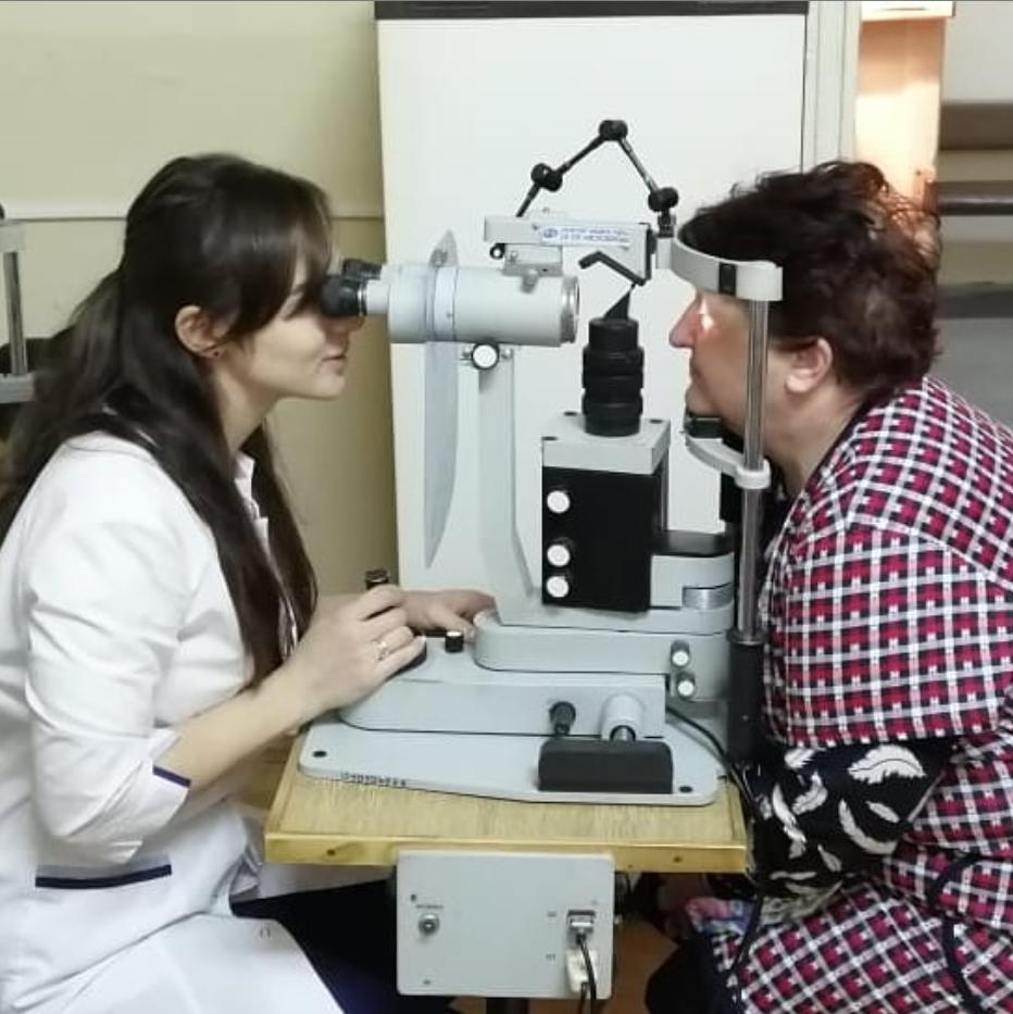 Заведующая офтальмологического отделения